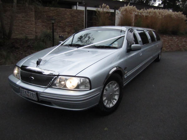 600 x 450 Wedding Limousine for sale Ford LTD 2003 12 seat super stretch