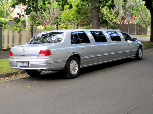 600 x 450 Wedding super stretch Limo for sale Ford LTD 2003 12 seat