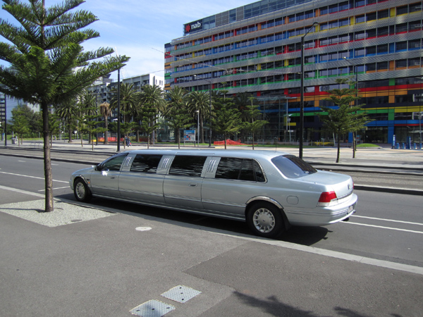 600 x 450 12 seat wedding super stretch Limo for sale Ford LTD 2003